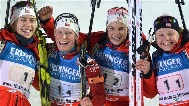 Tora Berger (2e à gauche) avec ses coéquipières