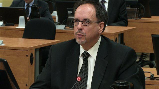 Claude Léger, directeur général de la Ville entre 2006 et 2009, il succède à Robert Abdallah