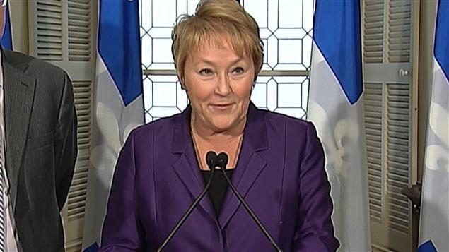 La première ministre Pauline Marois annonce un projet de loi sur l'économie sociale.