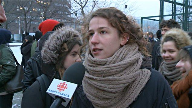 Une manifestante à Montréal le 22 mars