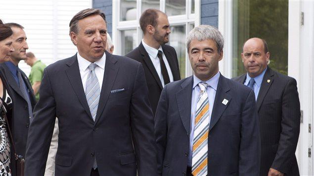 François Legault et Stéphane Le Bouyonnec, porte-parole de la CAQ en matière d'économie et de commerce extérieur.