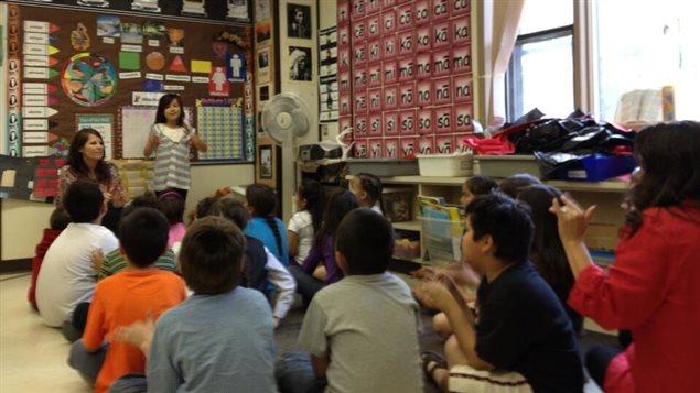 L'École St-Frances de Saskatoon offre une programme d'immersion en langue crie depuis 2007.