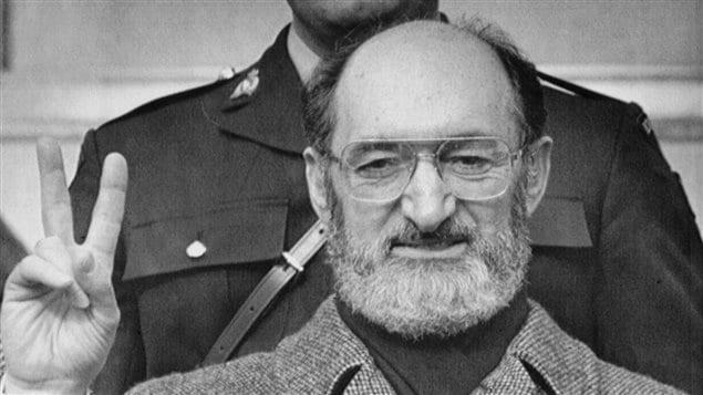 Le Dr Henry Morgentaler lors de sa victoire en Cour suprême du Canada le 28 janvier 1988, à Toronto.