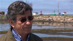 Le professeur et titulaire de la Chaire de recherche du Canada en écotoxicologie et en milieux côtiers, Émilien Pelletier.