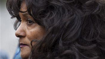 Terri-Jean Bedford soutient que la loi qui interdit la tenue de maisons de débauche rend le travail des prostitués plus dangereux encore.