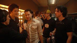 Les Dales Hawerchuk en entrevue avec Élodie Gagnon lors du spectacle pour célébrer les 5 ans de Bande à part, le 24 mars 2006.