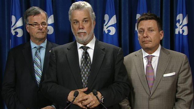 Philippe Couillard, le chef du PLQ, estime que le gouvernement doit garder un oeil sur les négociations.