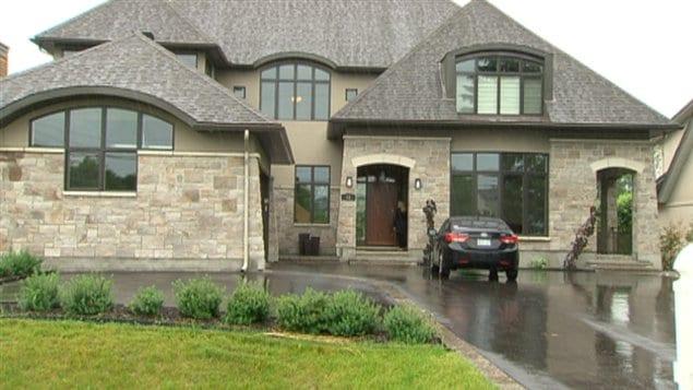 la maison de jean claude lacasse est vendre - Photo De Maison Au Canada