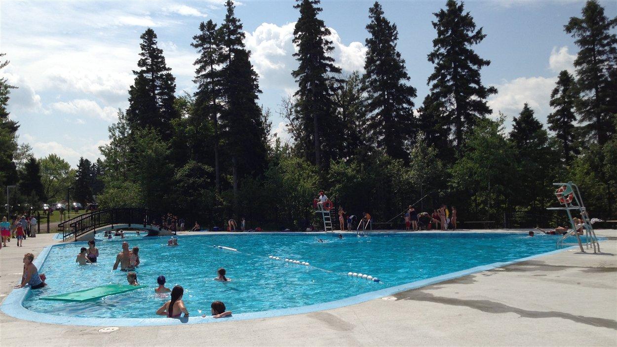 Inauguration de la piscine du parc rosaire gauthier ici for Vente piscine montreal