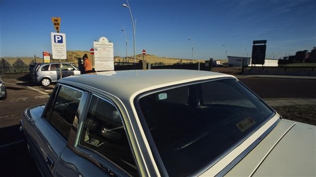gare la chaleur une ado laiss e dans une voiture pendant une heure au soleil ici radio. Black Bedroom Furniture Sets. Home Design Ideas