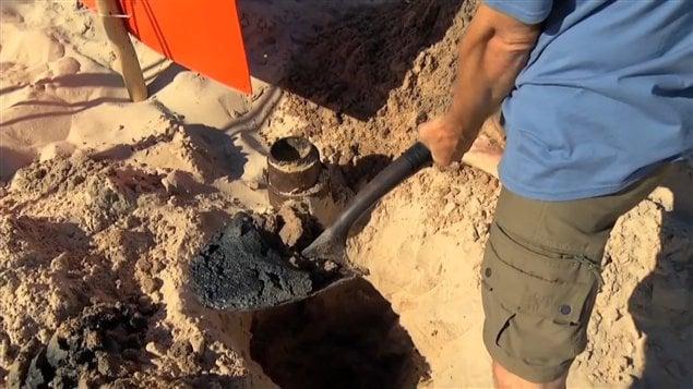 Le sable noir découvert sur la plage de Sandy Hook par Léonard Chevrier