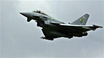 Un avion de chasse Typhoon tel que ceux déployés par le Royaume-Uni