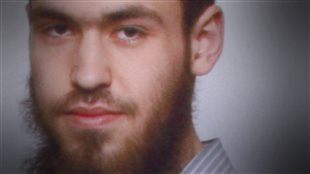 Ce jeune djihadiste canadien en Syrie a connu une adolescence trouble.