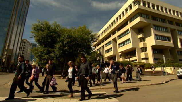 De nombreuses personnes ont assisté au plaidoyer de Travis Baumgartner au palais de justice d'Edmonton
