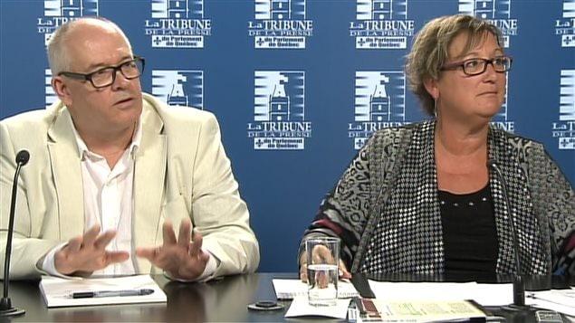 Les représentants du SFPQ en conférence de presse à Québec.
