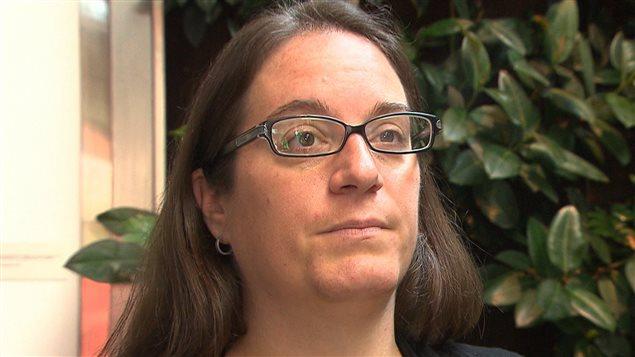 Dominique Gervais est l'avocate responsable des services budgétaires et juridiques pour Option consommateurs