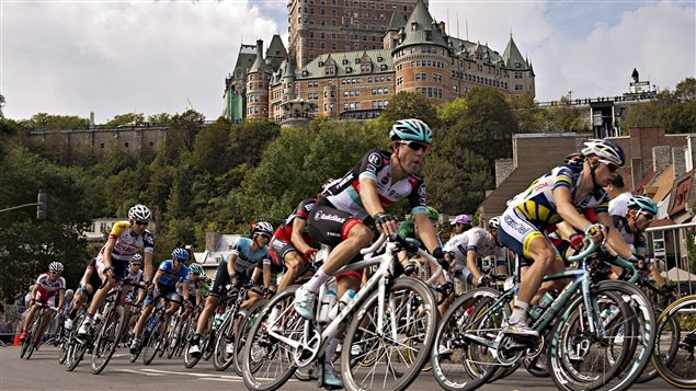 Le peloton du Grand Prix cycliste de Québec