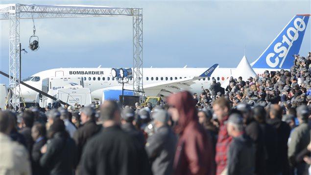 Plus de 2700 personnes ont assisté au vol inaugural, à Mirabel