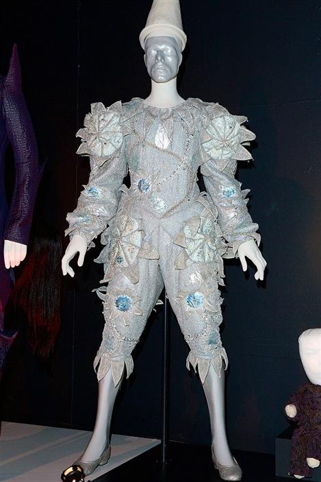 Le costume porté par David Bowie dans le vidéoclip de Ashes to ashes.
