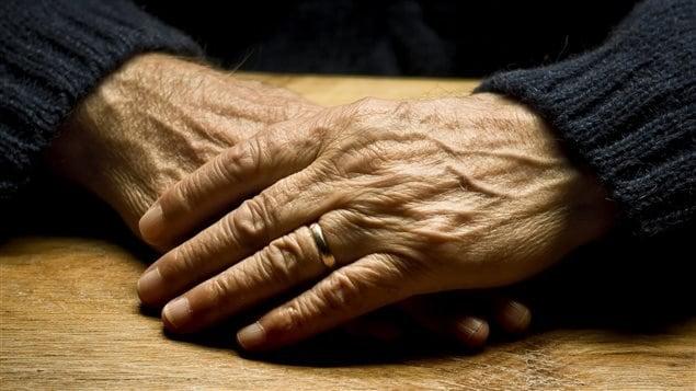 Résultats de recherche d'images pour «vieux pauvres»