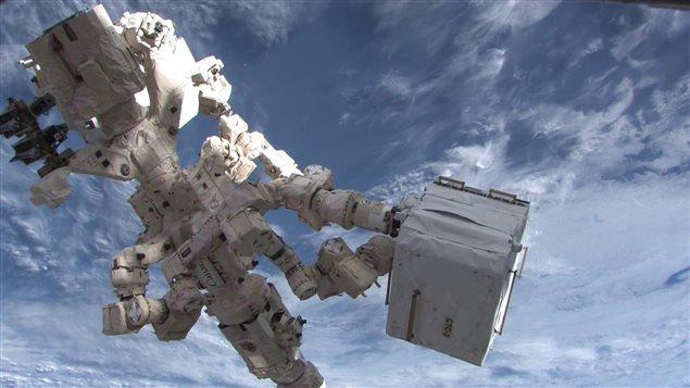 Dextre, le robot bricoleur de l'Agence spatiale canadienne.