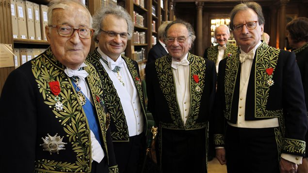 Les immortels Alain Decaux, Amin Maalouf, Philippe Beaussant et Jean-Luc Marion en 2012.