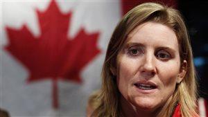 Hayley Wickenheiser, porte-drapeau de l'équipe canadienne pour les Jeux de Sotchi
