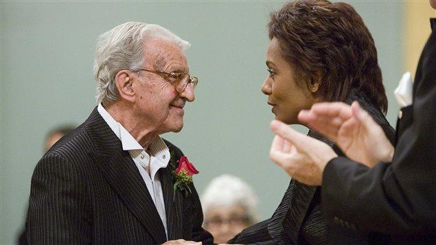 Fernand Leduc a reçu le Prix du Gouverneur général en arts visuels et en arts médiatiques en 2007.