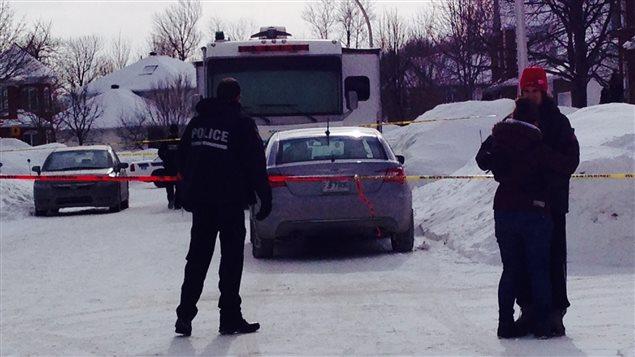 Un périmètre de sécurité a été érigé sur la rue Sicard, à Trois-Rivières.