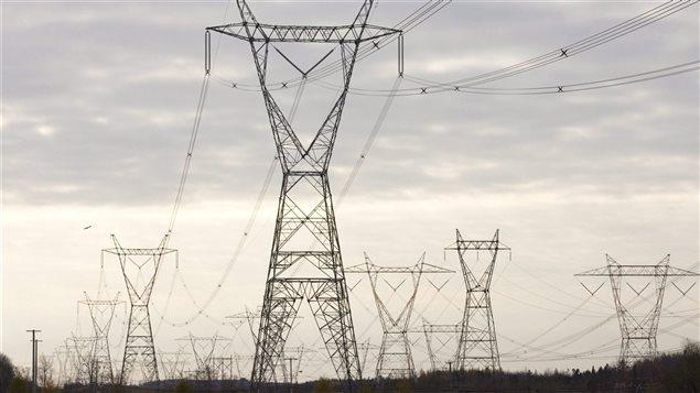 Pylônes d'une ligne électrique