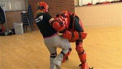 L'autodéfense au féminin dans des écoles de Sherbrooke