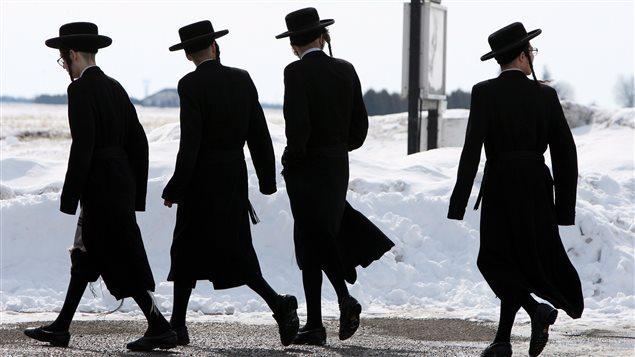 Des enfants de la secte Lev Tahor, en Ontario, le 5 mars dernier.