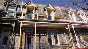 Rangée de maisons à Montréal