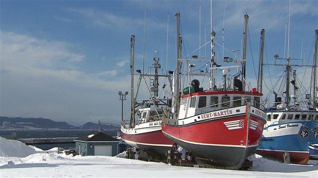 Bateaux des pêcheurs de crabe remisés