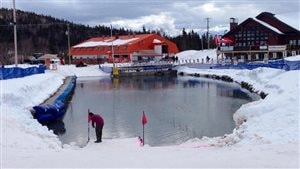 Le lac Picalo, et les nouvelles infrastructures du Parc régional de Val-d'Irène.