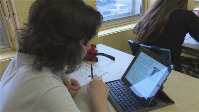 Utilisation de tablettes au Séminaire de Chicoutimi