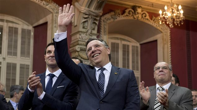 Le chef de la CAQ François Legault et son nouveau leader parlementaire à sa gauche, François Bonnardel.