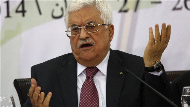 Le président palestinien Mahmoud Abbas, lors d'un discours devant des membres de l'OLP à Ramallah, le 26 avril