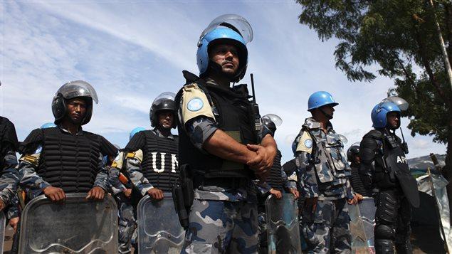 Des Casques bleus lors de la visite du Secrétaire général de l'ONU, Ban Ki-moon, en Soudan du Sud.