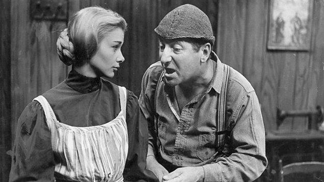 Andrée Champagne (Donalda) et Jean-Pierre Masson (Séraphin) dans le téléroman «Les belles histoires des pays d'en haut», en 1963
