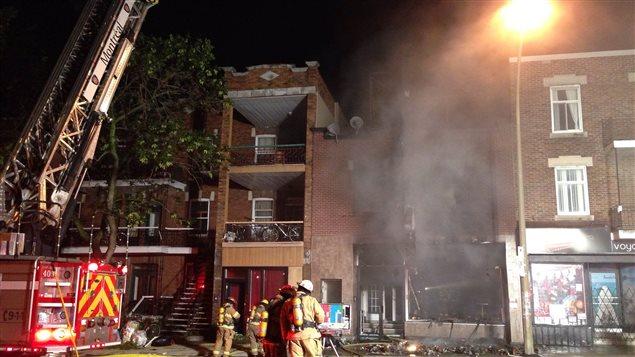 Un incendie d'origine criminelle a détruit un bar de la rue Saint-Denis, dans l'arrondissement Villeray.