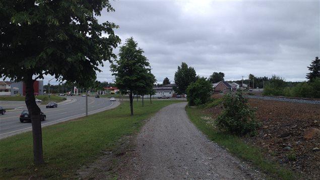 Une partie du tronçon de l'avenue Québec qui fait l'objet du litige entre la Ville de Rouyn-Noranda et Hydro-Québec