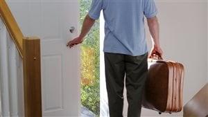 En plus des bagages, il faut penser à préparer sa maison avant de partir en vacances.