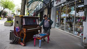 Pianos de rue, plaza Saint-Hubert