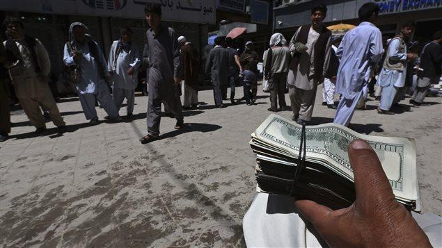 « Nous avons dépensé trop en trop peu de temps dans un pays trop petit avec trop peu de contrôles », soutient l'inspecteur général spécial des États-Unis pour la reconstruction de l'Afghanistan, John Sopko.