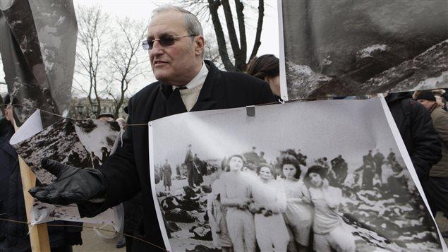 Efraim Zuroff à Riga, en Lettonie, le 16 mars 2012