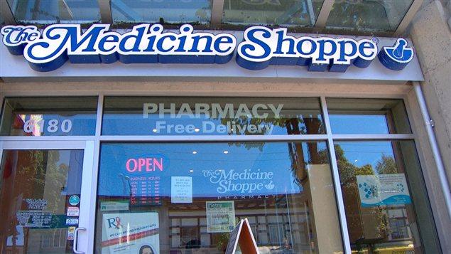 Les pharmaciens à l'emploi des pharmacies Medecine Shoppe de l'avenue Kingsway et de la rue Fraser à Vancouver ont été formés, pour offrir le test de dépistage du VIH.
