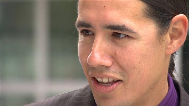 Le chef des programmes autochtones à l'Université du Manitoba Robert-Falcon Ouellette