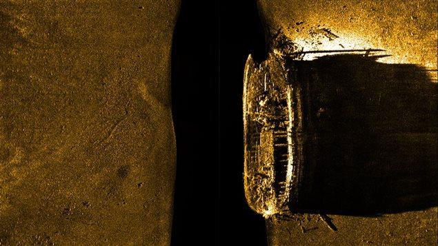 Cette image sonar montre l'épave retrouvée.