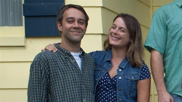 Les comédiens François Létourneau et Julie Le Breton sur le tournage de « Paul à Québec ».